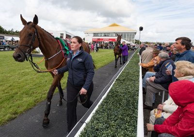 Listowel-Races-In-The-Parade-Ring-1