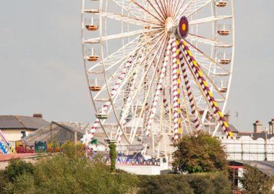 Listowel-Races-big-wheel-behind-the-running